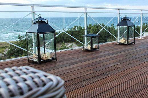 Arredare il balcone 3 idee da non perdere scala for Lamparas de exterior para terrazas
