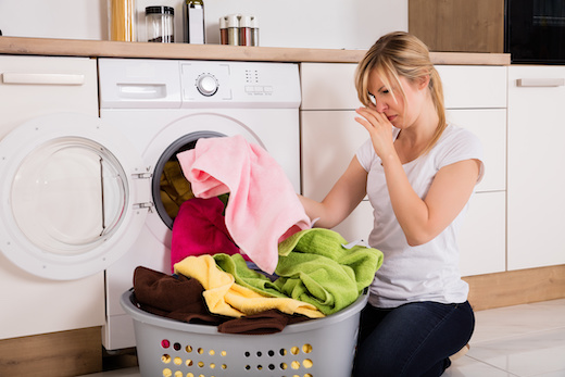 Puzza in lavatrice addio: guida per un bucato sempre profumato