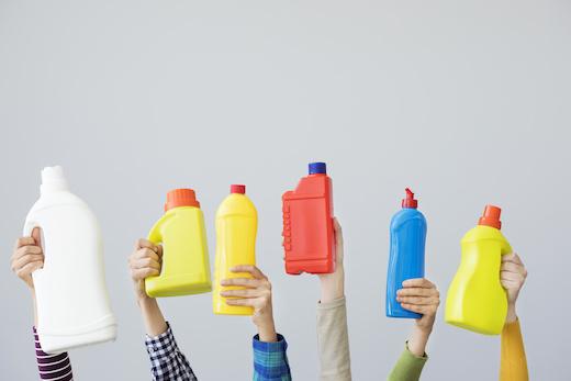 Flaconi dei detersivi: 5 idee di riciclo creativo