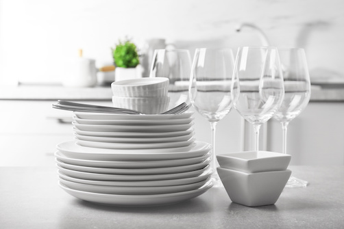 Sos piatti e bicchieri: come non rovinarli?