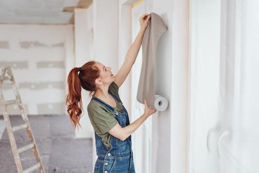 """Carta da parati: come """"vestire"""" le pareti della tua casa?"""